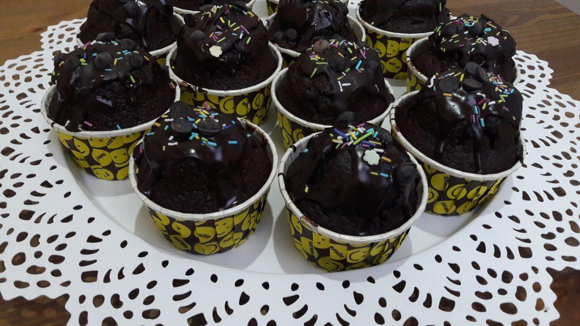 Çikolatalı Kap Kek Tarifi (Chocolate cup cake recipe)