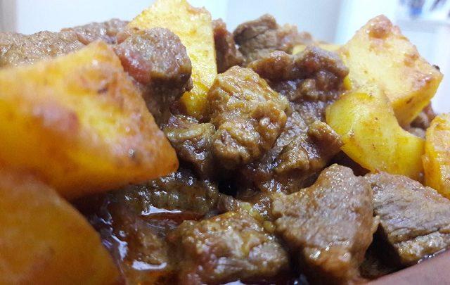 Tas Kebabı Tarifi (Güveçte Tas Kebabı Tarifi)