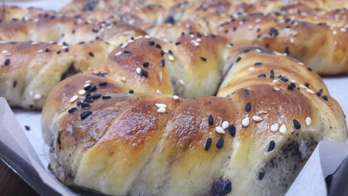 Zeytinli ve Sade Açma Tarifi (Olive dough recipe)