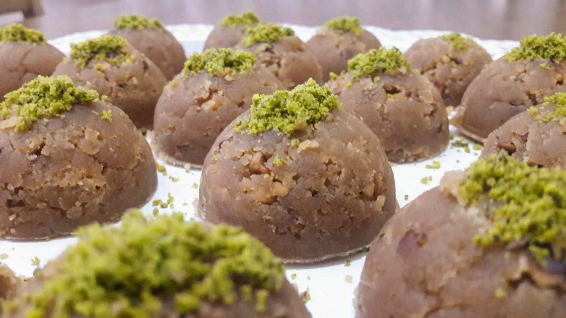 Tam Ölçülü Un Helvası Tarifi (Halvah Dessert  Recipe )