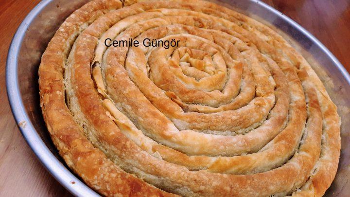 Tepside Hazır Yufkadan Kıymalı Sarıyer Böreği Tarifi