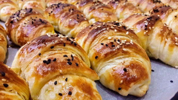Katmer Poğaça Tarifi  Savory Pastry Donuts Recipe  