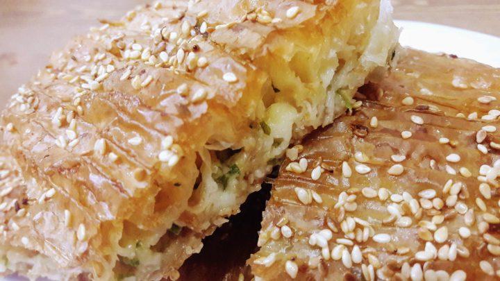 Baklavalık Hazır Yufkadan Peynirli Pileli Börek